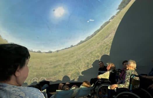 Mobilní planetárium v SeniorCentru Chrudim
